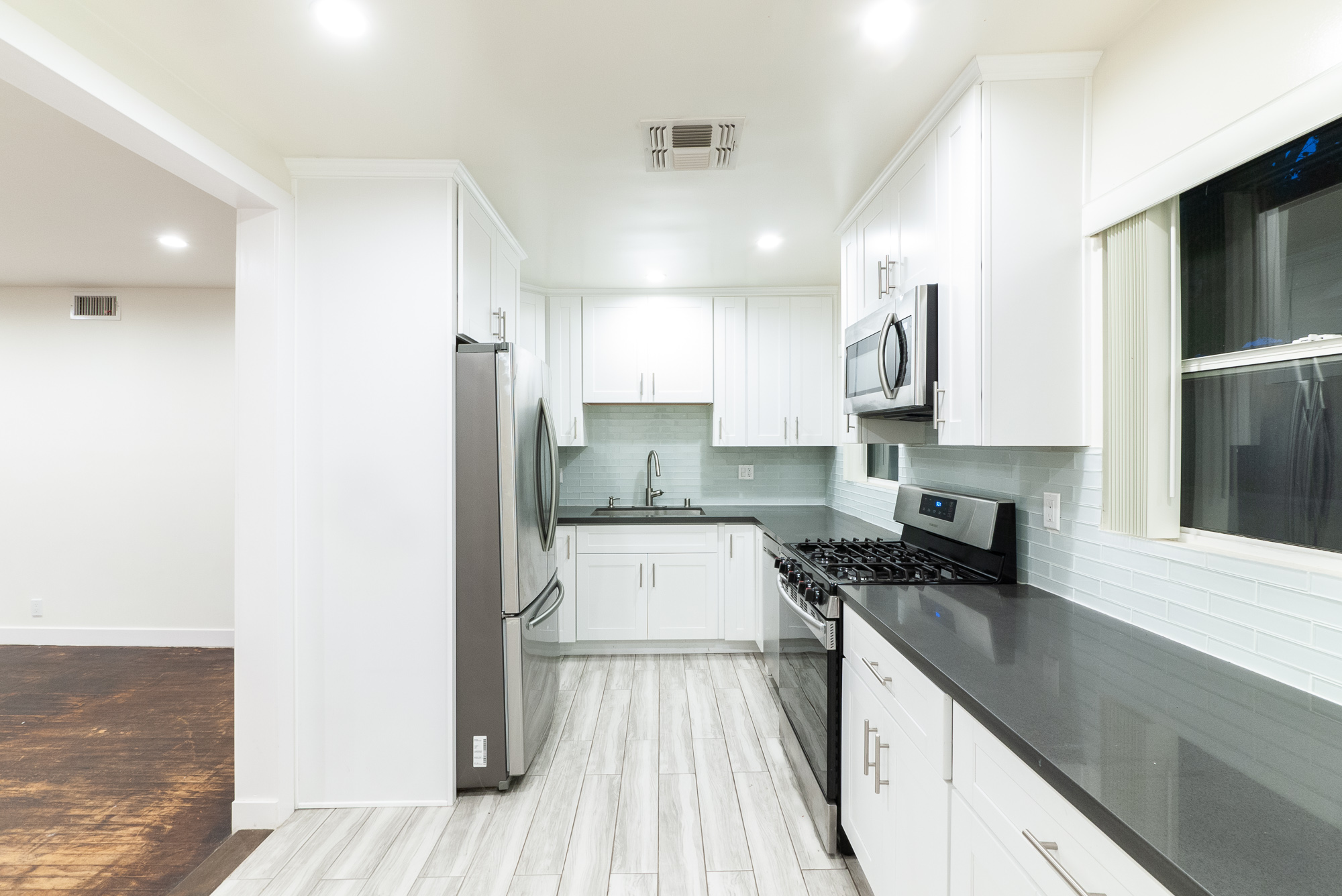 New & Renovated 2BD / 2BA with Private Balcony | Central AC | Close To The Beach!