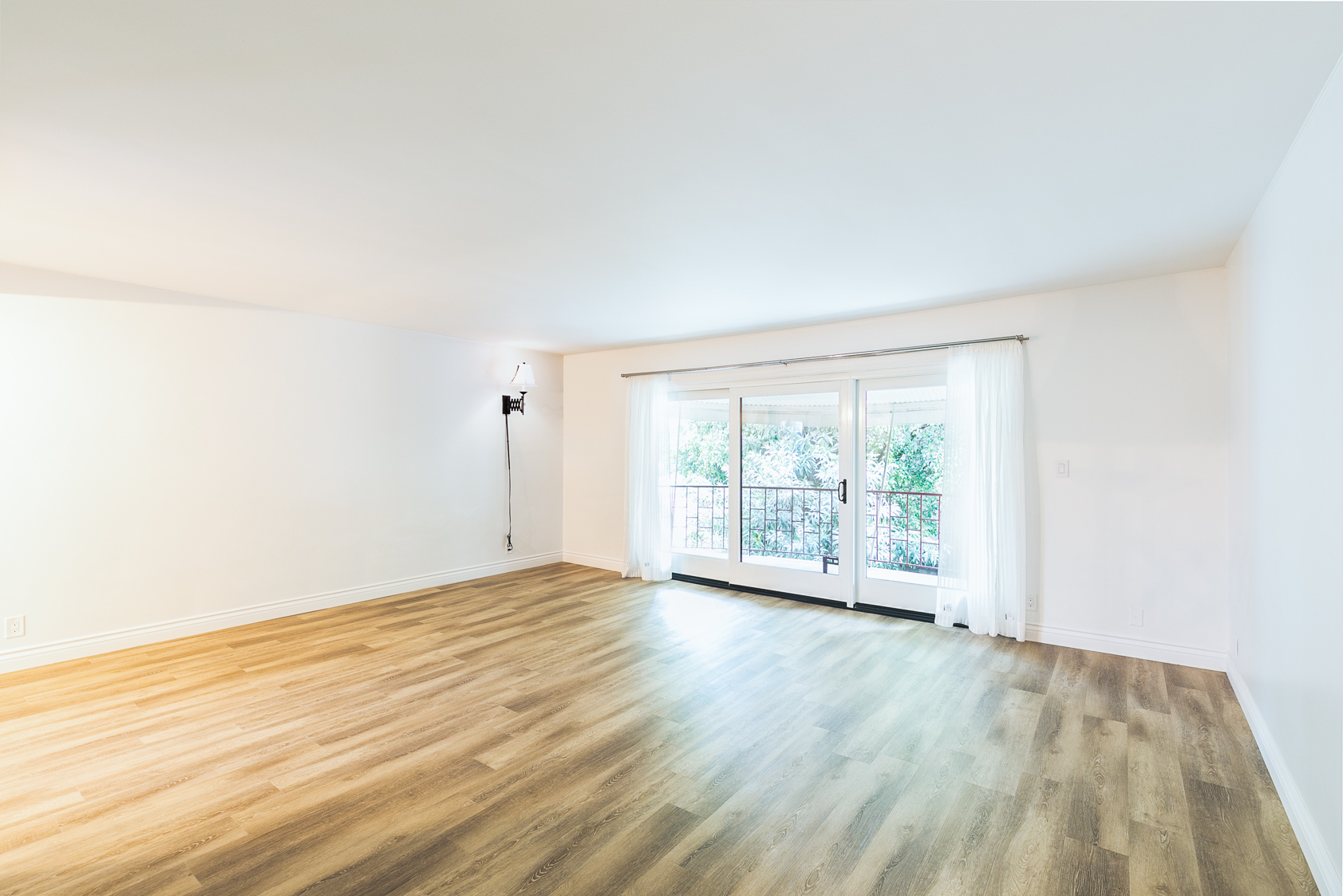 Serene and Spacious Condo | ALL utilities included! Griffith Park and LA River is your backyard! |Balcony w/  View of Lush Courtyard |