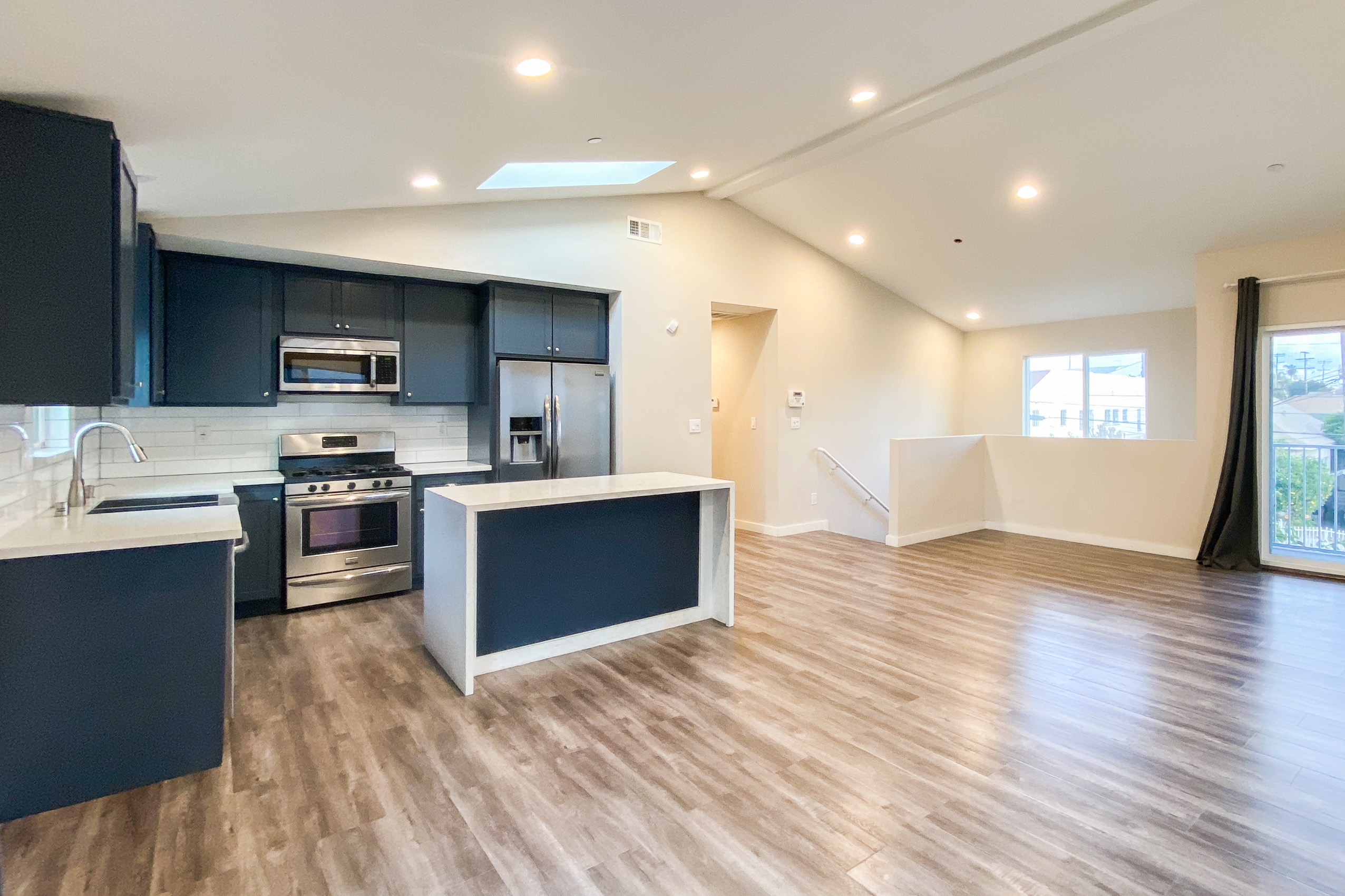 Updated & Spacious 3 Bed/2 Bath In East LA! | Central AC | 2 Gated Parking Spaces