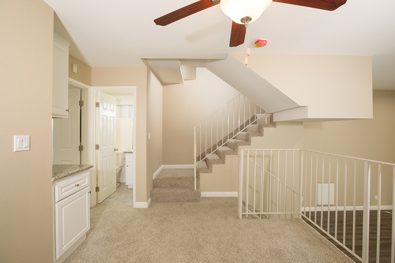 LARGE S. REDONDO TOWNHOME | QUIET NEIGHBORHOOD | 10 MINUTES FROM THE BEACH!