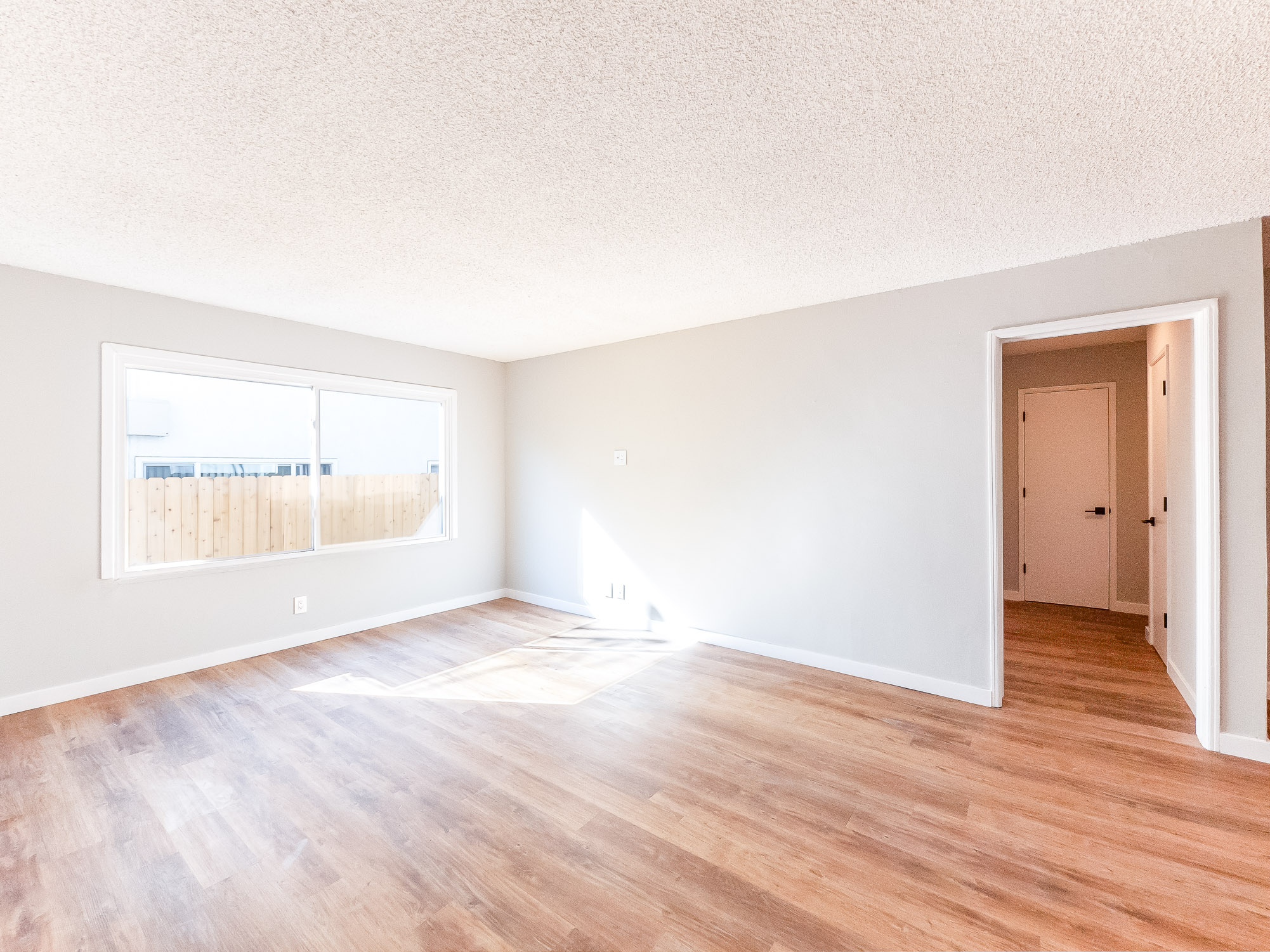 Completely renovated w/ Sleek new updates | 1 Bed 1 Bath in NOHO Arts District Near Lankershim & Burbank Blvd.