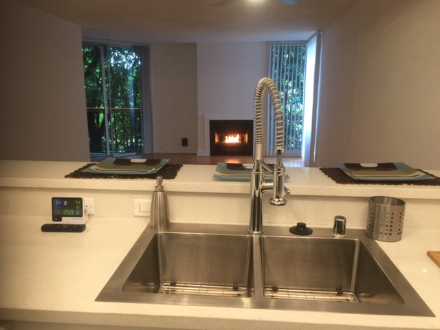 RENOVATED 1 BED 1 BATH | SHARED POOL| PRIME LOS FELIZ  | 2 SUNDECKS, SAUNA, GYM, 24 HR LAUNDRY, GATED PARKING | DOG RUN!