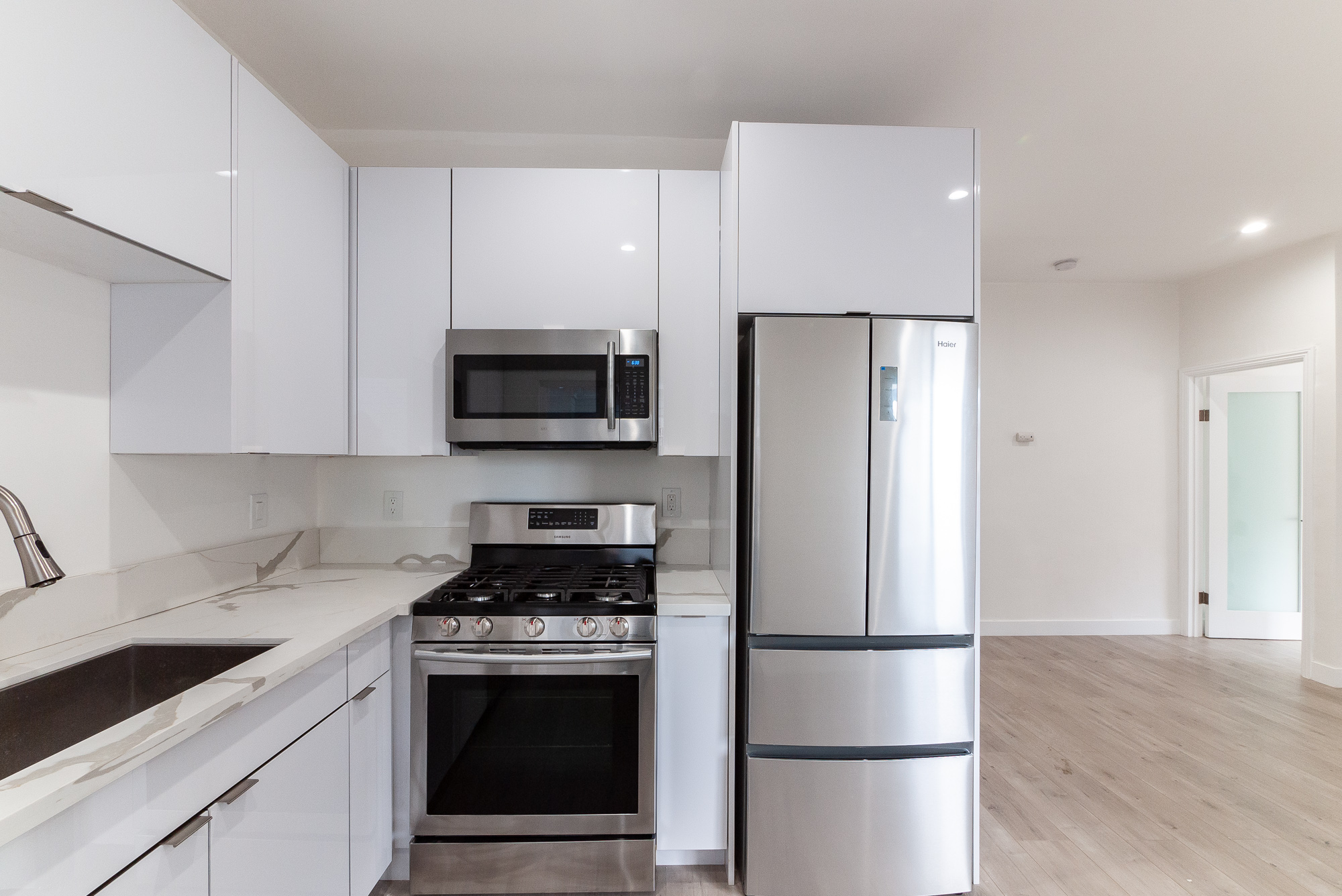 Remodeled 1 Bed In K-town| New Everything! | AC Unit Included | Short Trip To All Your Ktown Faves!