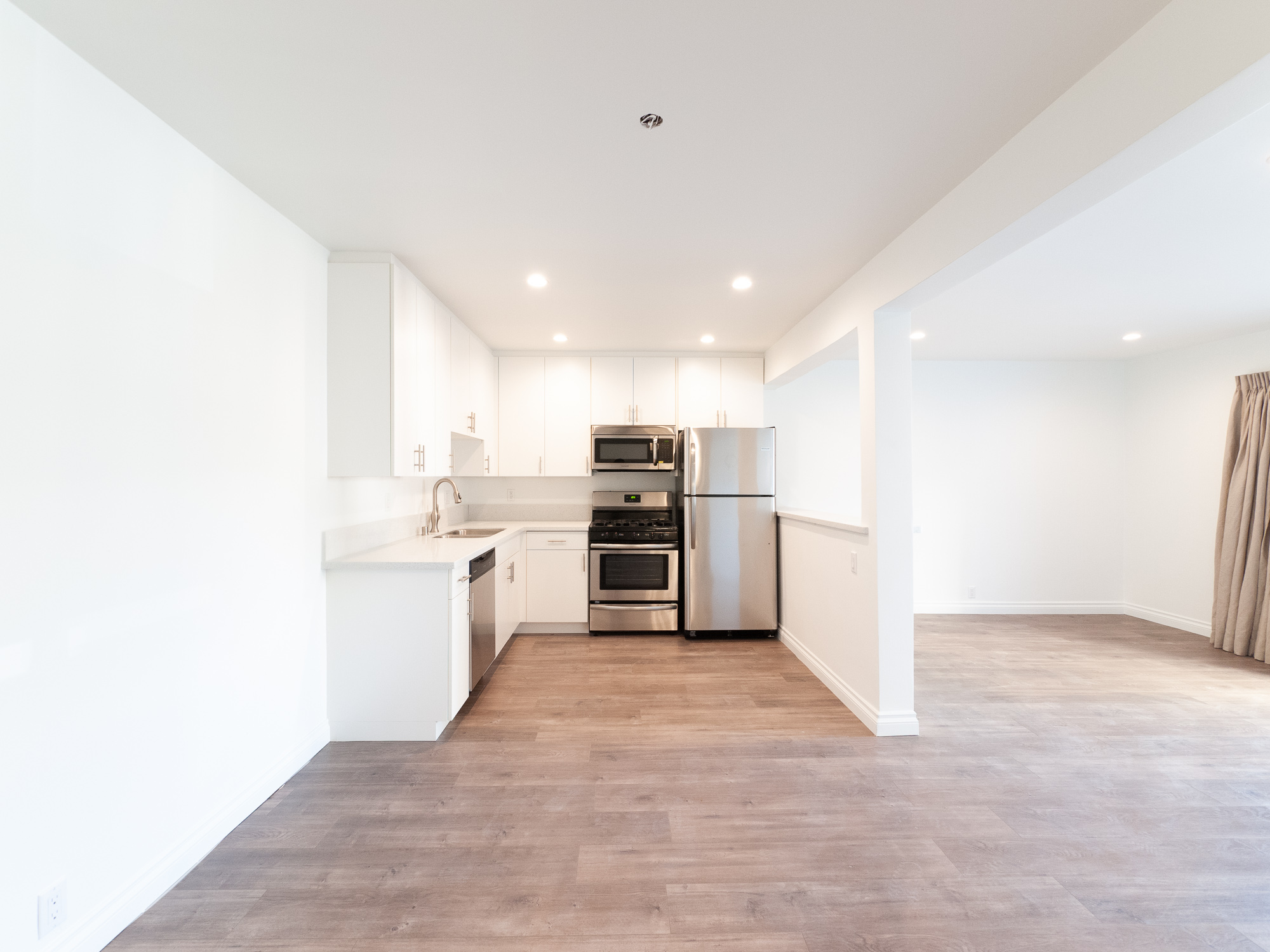Mid Century Beauty! Just Renovated Spacious One Bedroom  - Private Balcony - Sleek, Modern Kitchen- Parking-Great Location!
