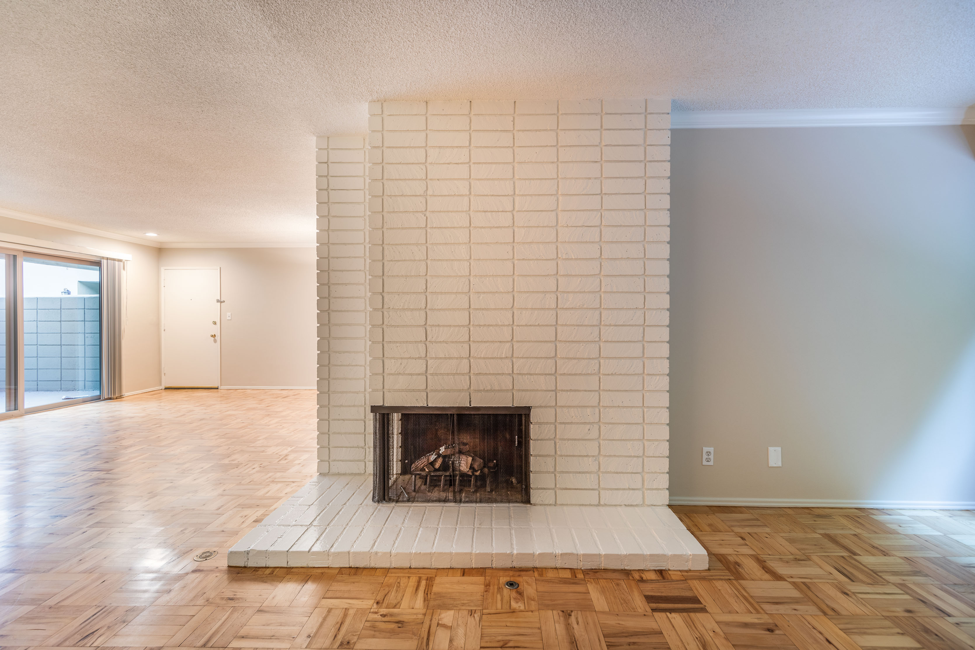 Posh Pasadena 2 Bed/2 Ba | Parking Included | Private Enclosed Patio | Brick Fireplace