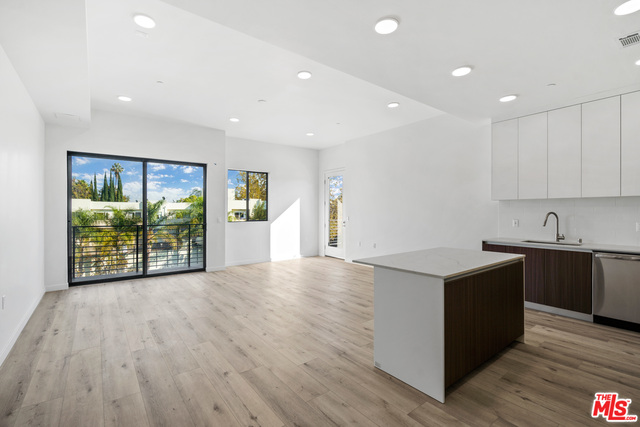 BRAND NEW luxurious apartment complex located in the heart of Sherman Oaks