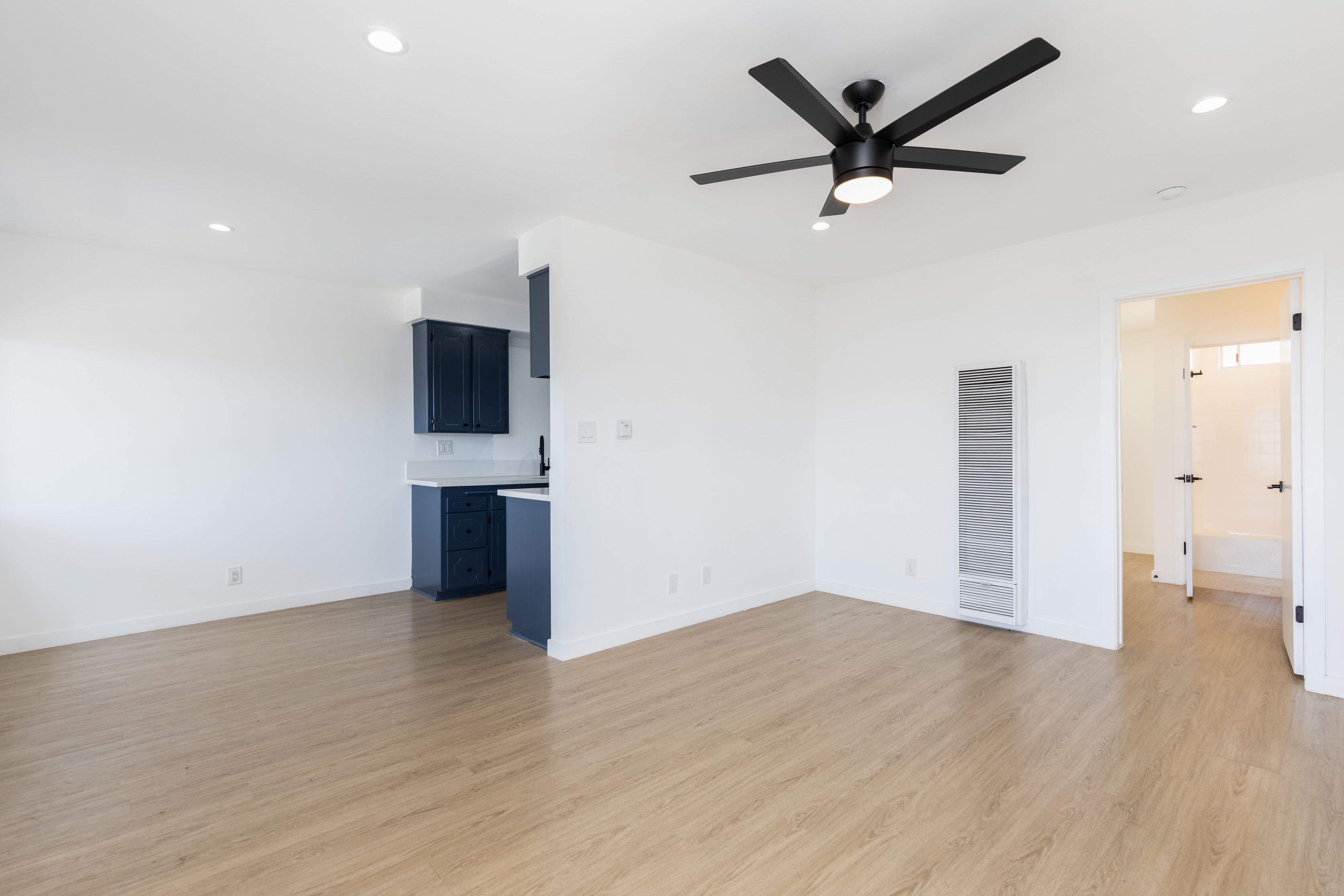 Brand New Reno 1BD/1BA in Hawthorne | One Month FREE Rent | Parking Incl