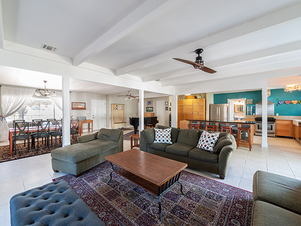 Charming Home in Mission Hills