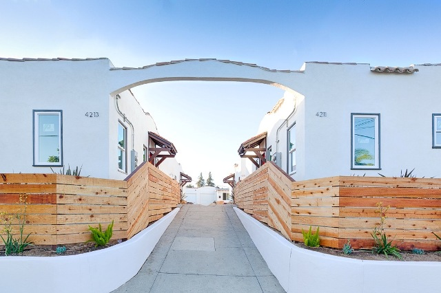 Remodeled & Stylish Bungalow | Prime Los Feliz Neighborhood | Month-Month Lease Avail | Garage
