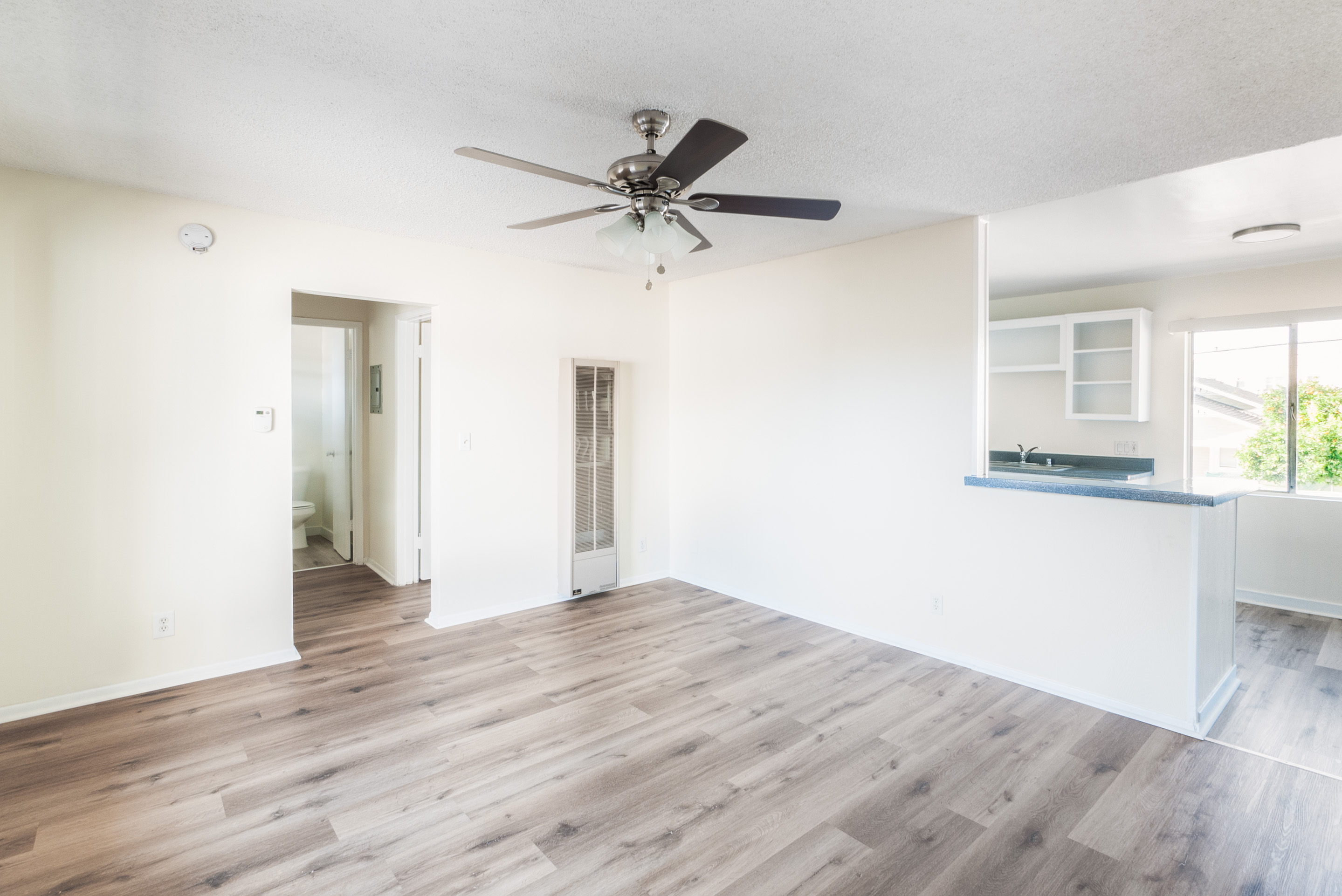 Bright Upper 1 Bed/1 Bath | AC Units Included | 1 Parking Space | Prime Echo Park