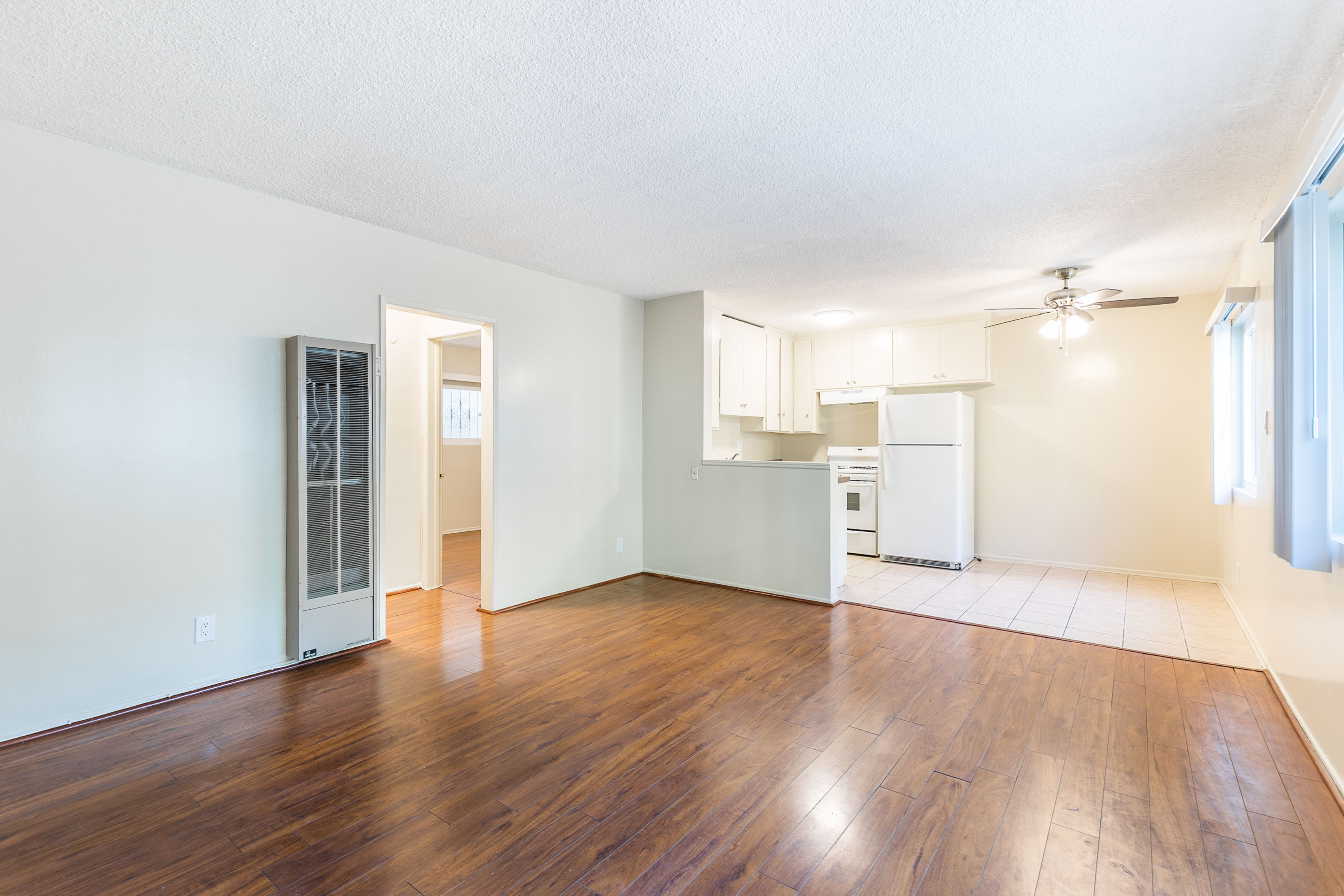 C-U-T-E TWO BEDROOM/1 BATH WITH HARDWOOD FLOORS AND AMPLE CLOSET SPACE!