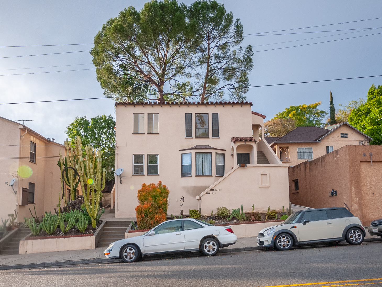 Charming 1930's Spanish Upper | Bright & Airy | Near Echo Park Shops and Cafes