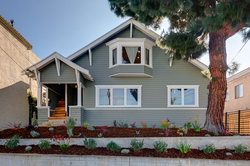 Quaint 1 Bed/ 1 Bath Duplex | Beautiful Bay Window | Renovated Upper Unit | Parking Included | Prime Silver Lake