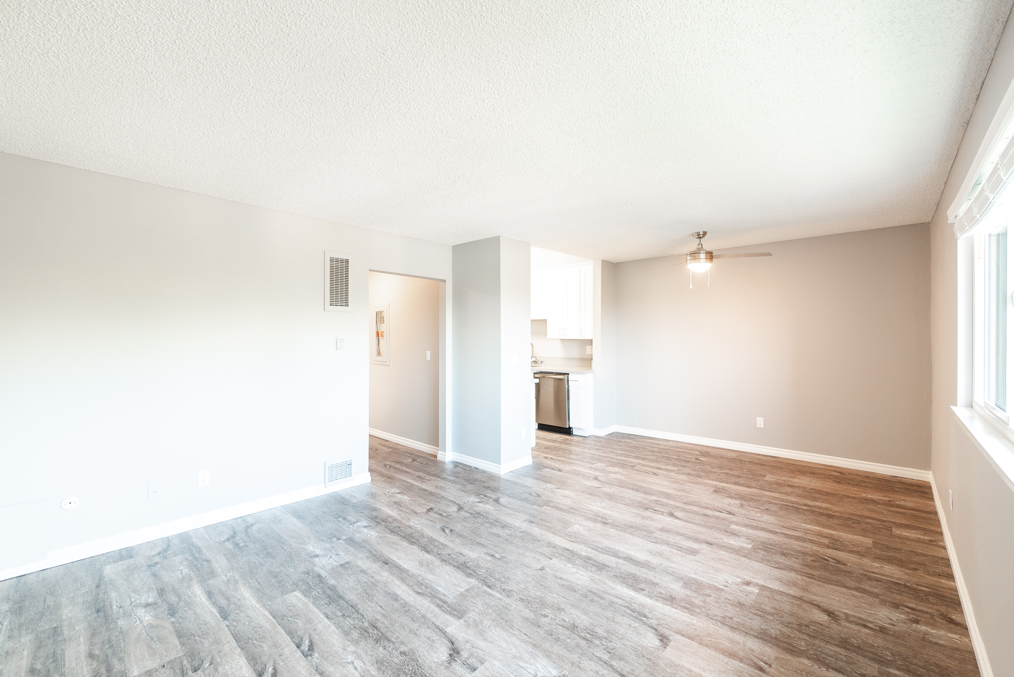 Upper Unit Apartment in Echo Park Hills | Modern Updates | All Appliances & Parking Included