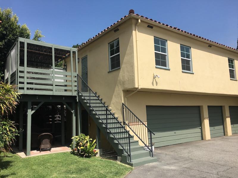 Cute & Cozy Echo Park One Bedroom | Rear Duplex | Private Deck | Parking & Laundry Included