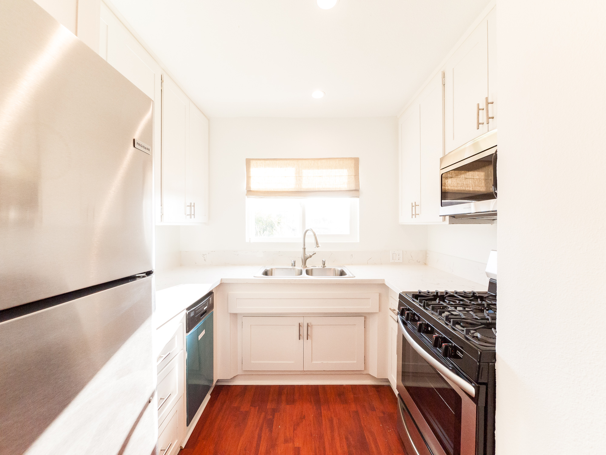 Just Renovated, Sleek Mid-Century 1 Bed  -Open Style Kitchen -DW-AC- Parking-Great Location!