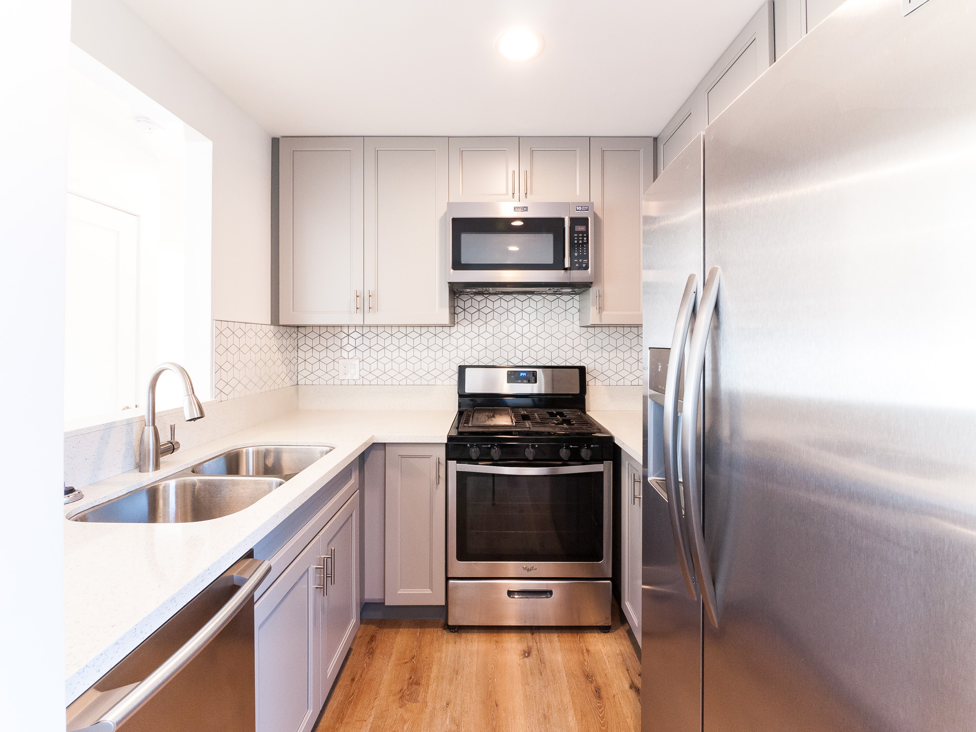 Fully Upgraded 2 Bed/ 1 Bath In Highland Park| Prime Location | 2 Parking Spaces