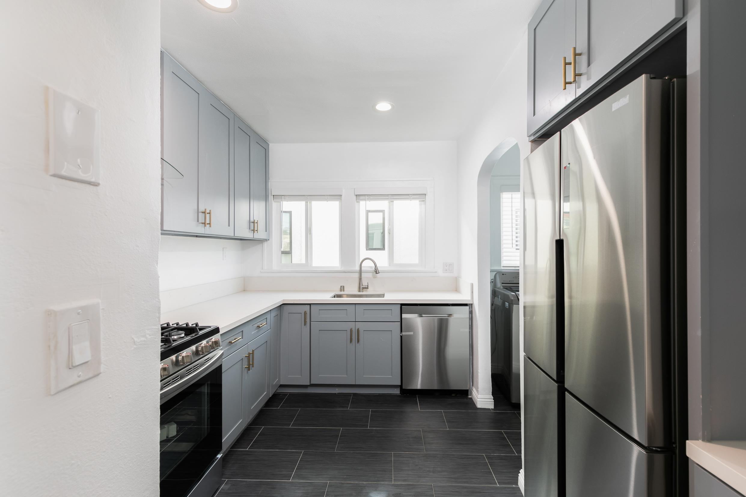 Cute 2BR/2BA Duplex Unit w/ Decorative Fireplace! ASK ABOUT MOVE-IN CONCESSION