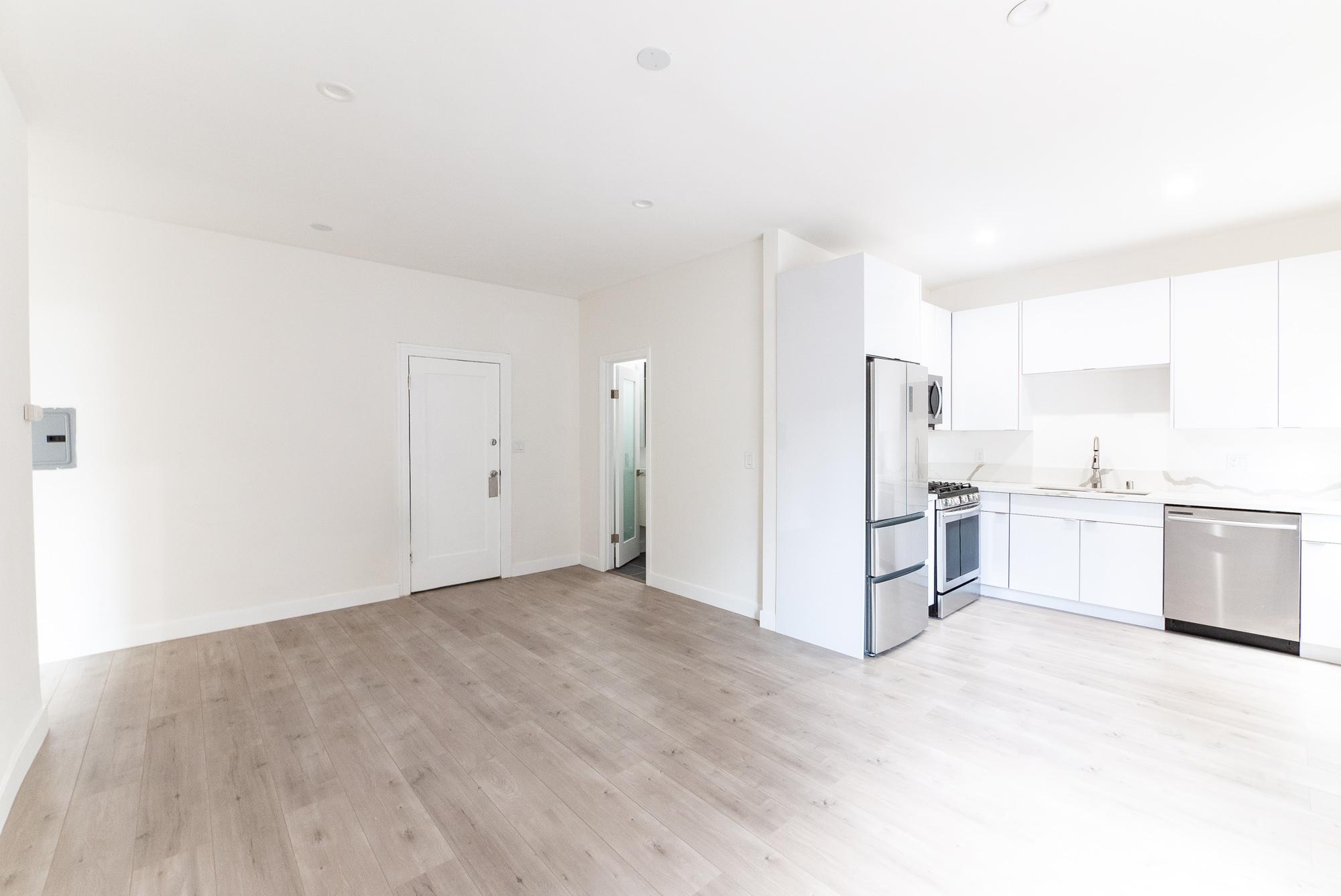 SUPER Lux! Brand New Reno 1B- INSTA worthy Kitchen- Move-In Special!