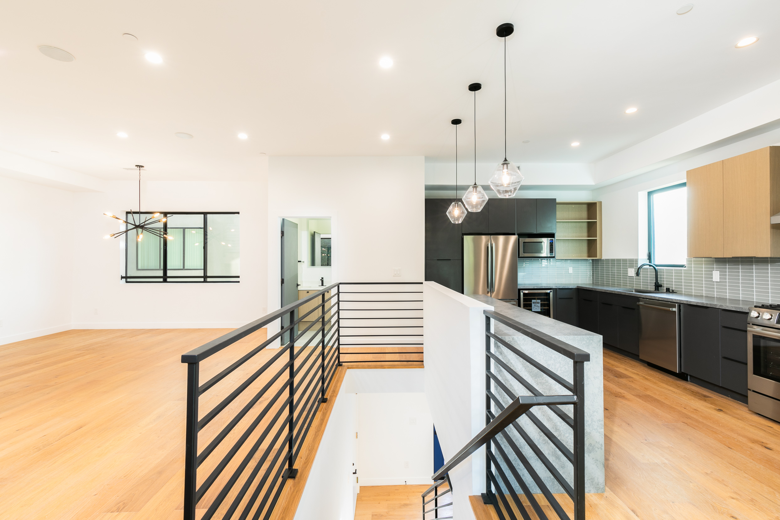 4-story Townhouse | 4 Bed, 4.5 Bath | Minutes from the Heart of Highland Park | Rooftop Terrace | New Build!