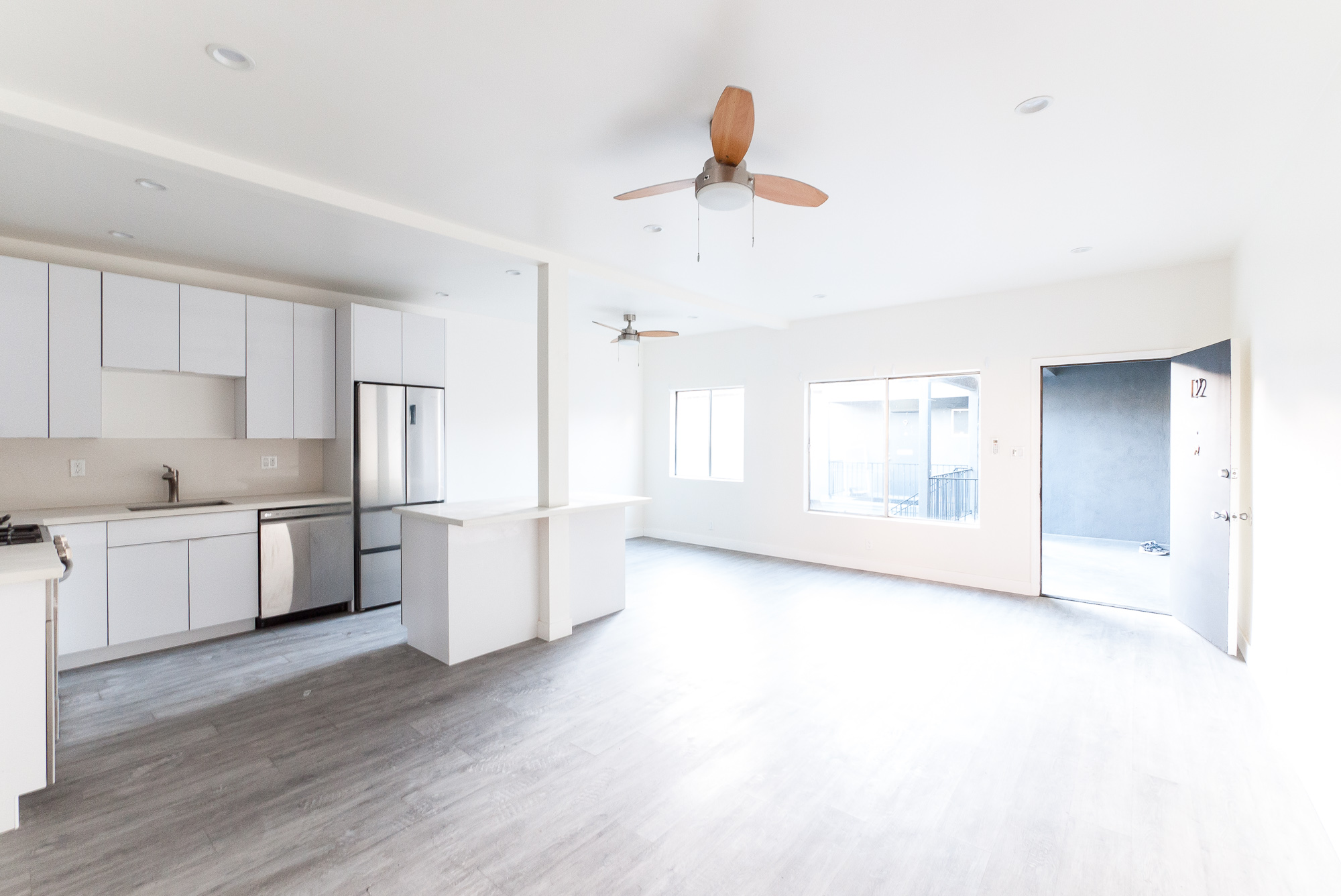 Sleek , Modern & New! Huge 1 Bed - Huge Kitchen w/Island- DW - French Door Fridge- Double Paned Windows- Perfect Miracle Mile Location - Close to Everything!