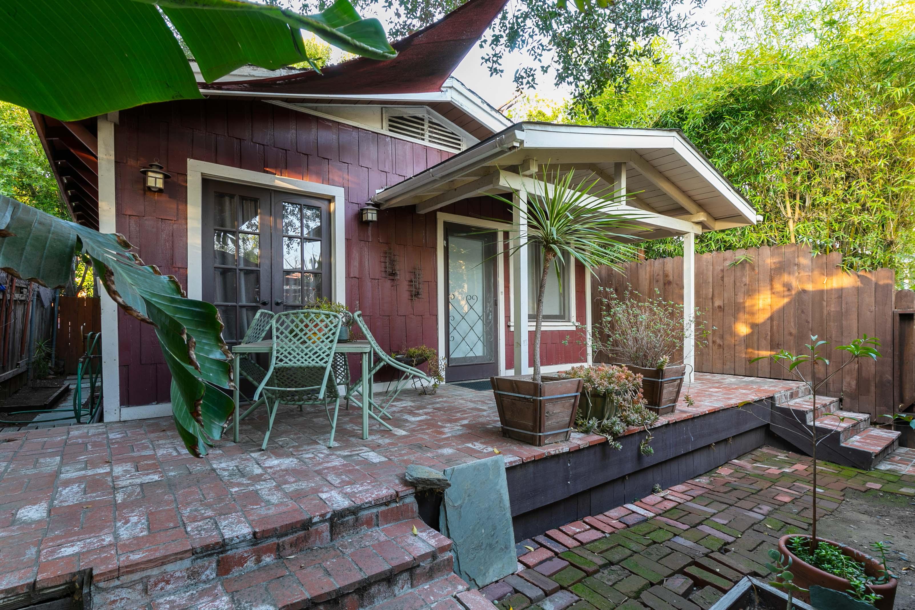 Secluded Los Feliz Oasis | Private Patio | Prime Location!