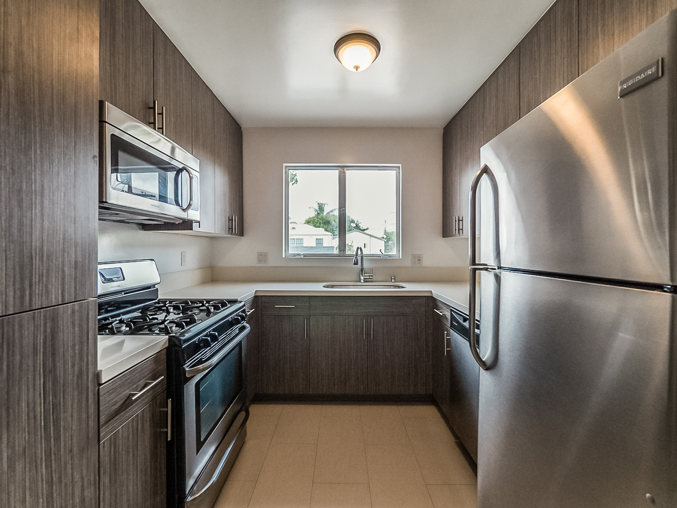 Sleek and Chic! Sharply Renovated, Super Spacious 1 Bed- Real Hardwoods-Stainless Appliances-Parking