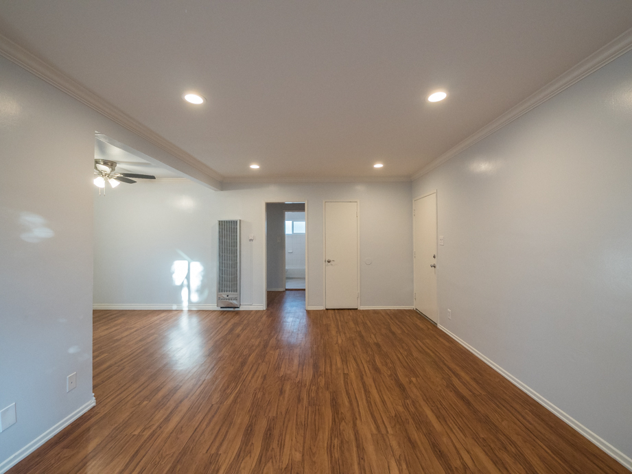 Updated and spacious One bedroom apartment in the heart of NOHO