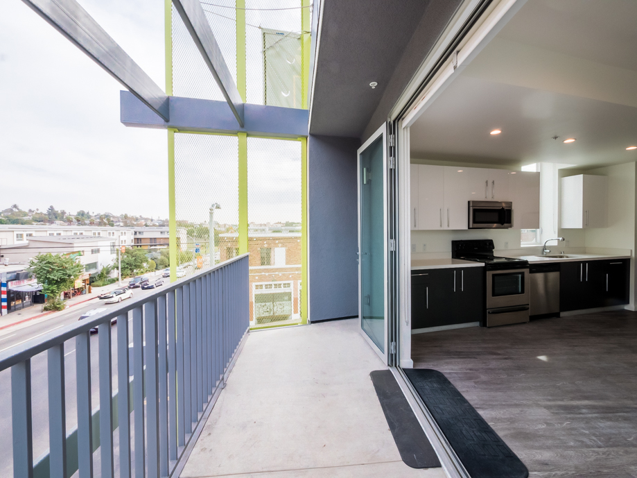 Luxury 3 Bedroom | Modern Hi-Fi New Build | Central Air and All Appliances Included | Rooftop Lounge with DTLA Views