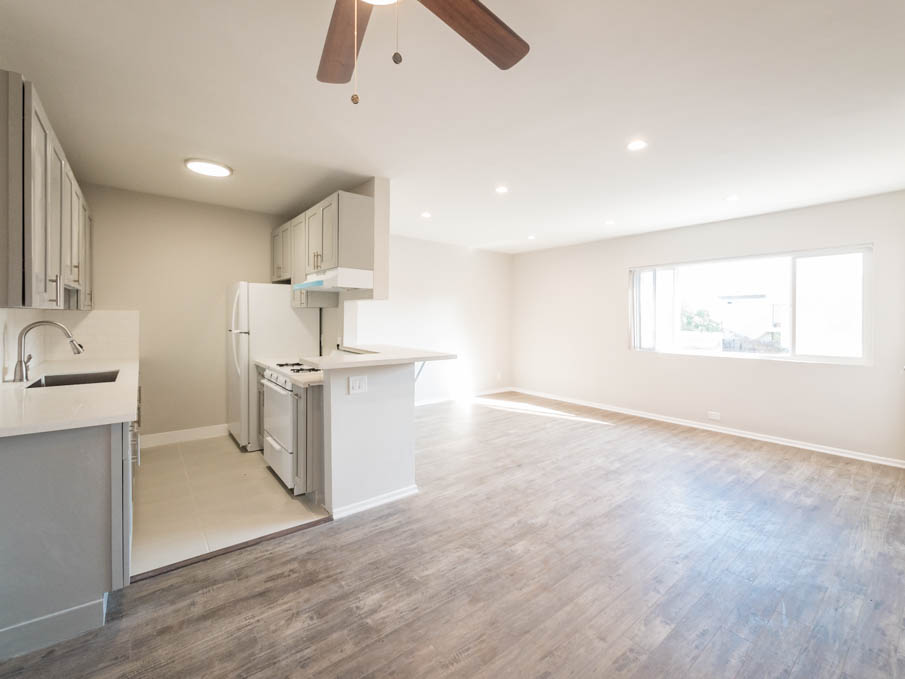 Brand New Interior in Awesome Top Floor, Walkable Palms (Culver Adjacent) Location, Sweet 2 BD!