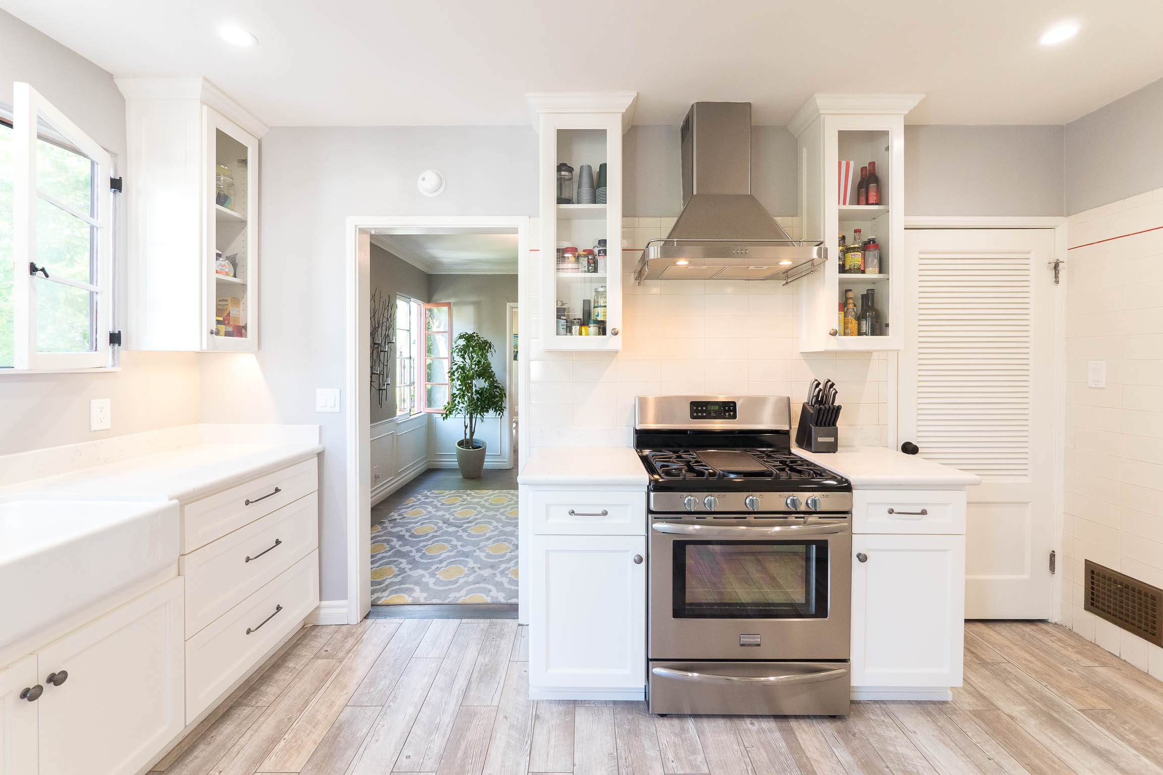 Luxurious and Renovated Spanish Duplex | Upper Unit | 2600 sq ft | Private Patio | 1 Car Garage