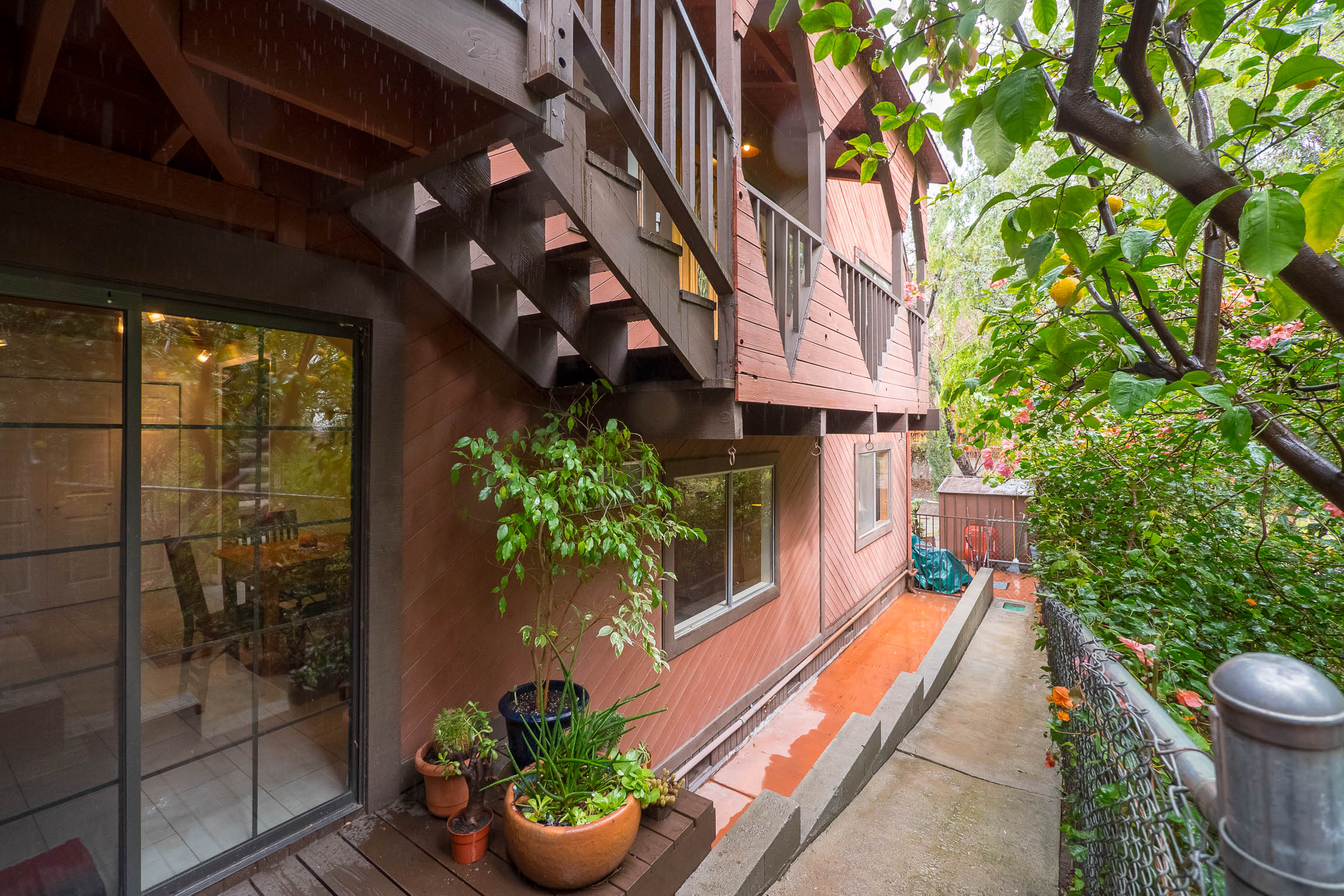Relaxing and Spacious 5-Bedroom Redwood Home w/ Olympic Pool in Woodland Hills