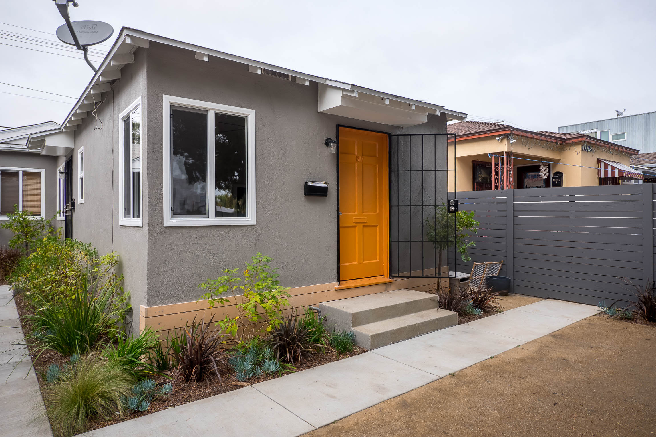 Micro but MOD Bungalow-Style Studio with Large Shared Outdoor Space - ALL Utils Included!