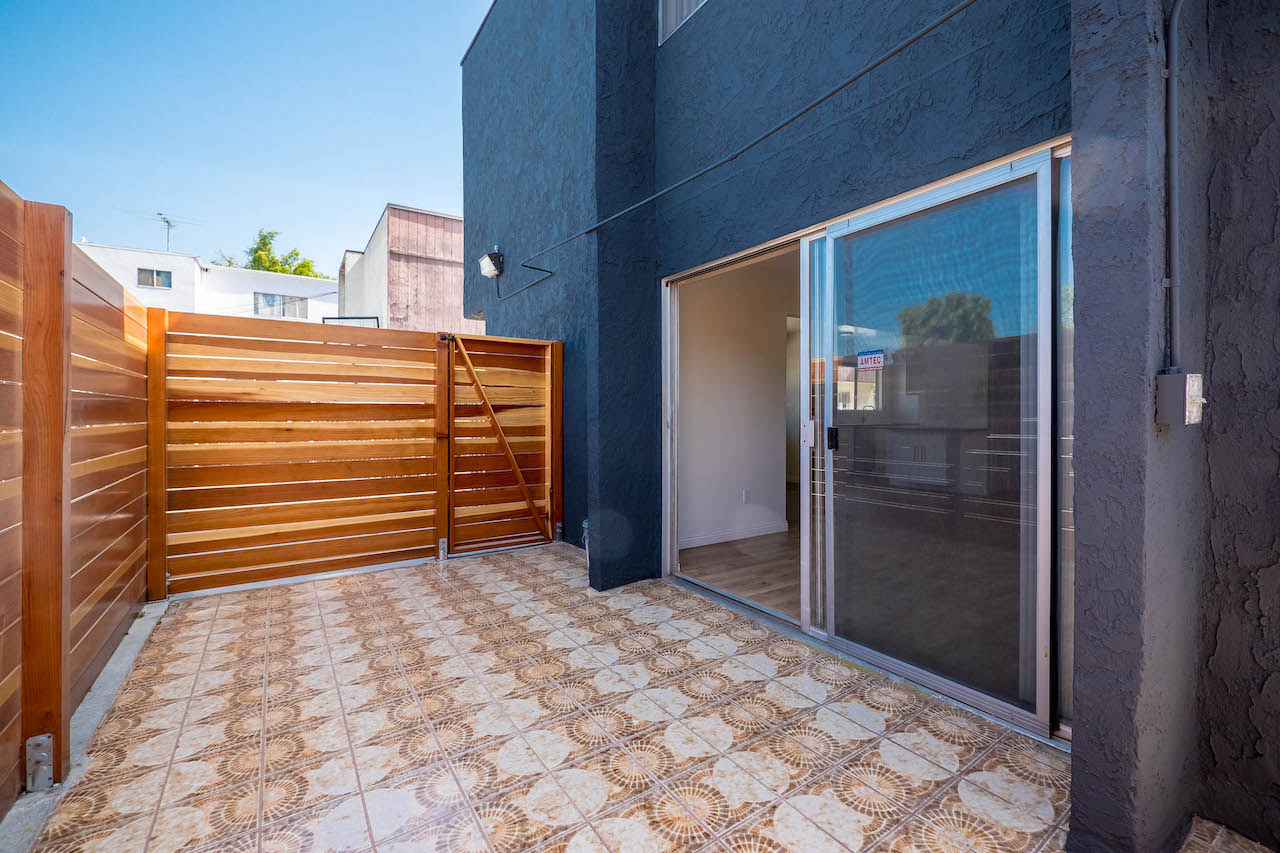 Hermon Townhouse | Private Patio | Central Air & Heat