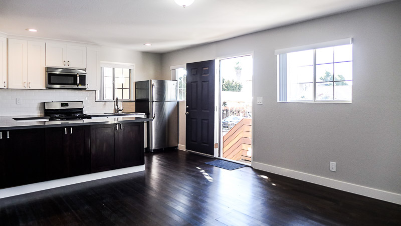Sleek Renovated ! 1Bed/1Bath With Bonus Room- Beautifully Renovated Home- Sleek Finishes - New Stainless Appliances - Convenient Location