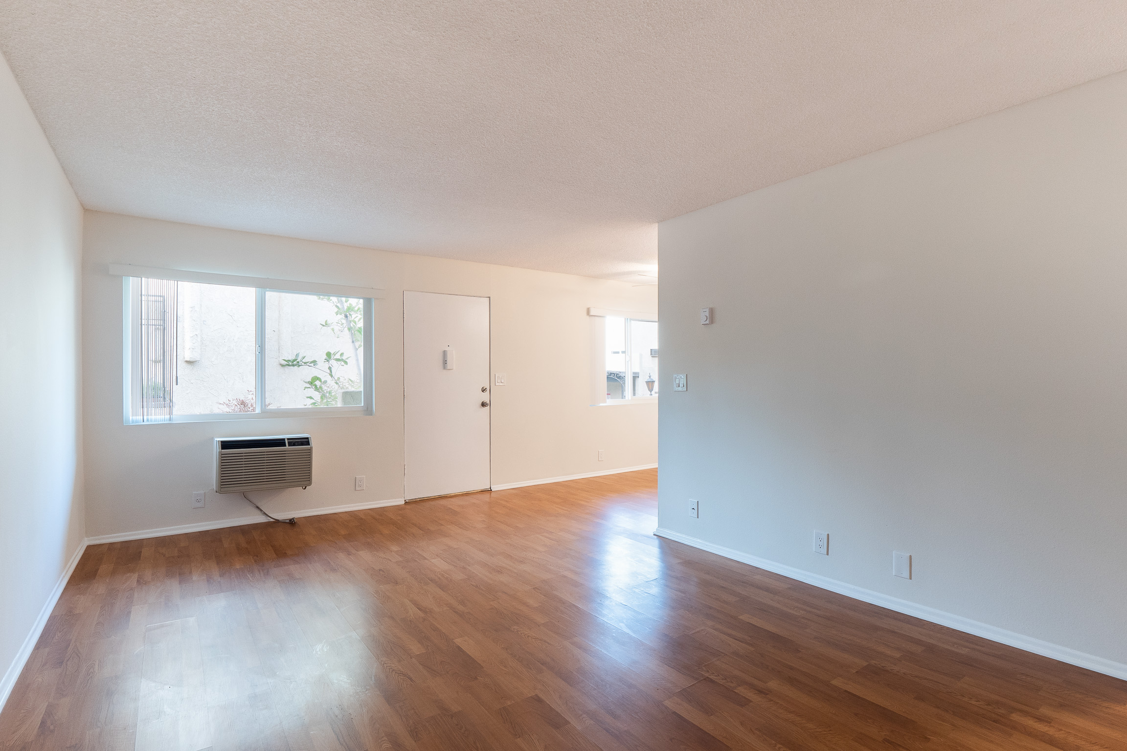 Spacious one bedroom with two parking spots and storage, pets welcome!