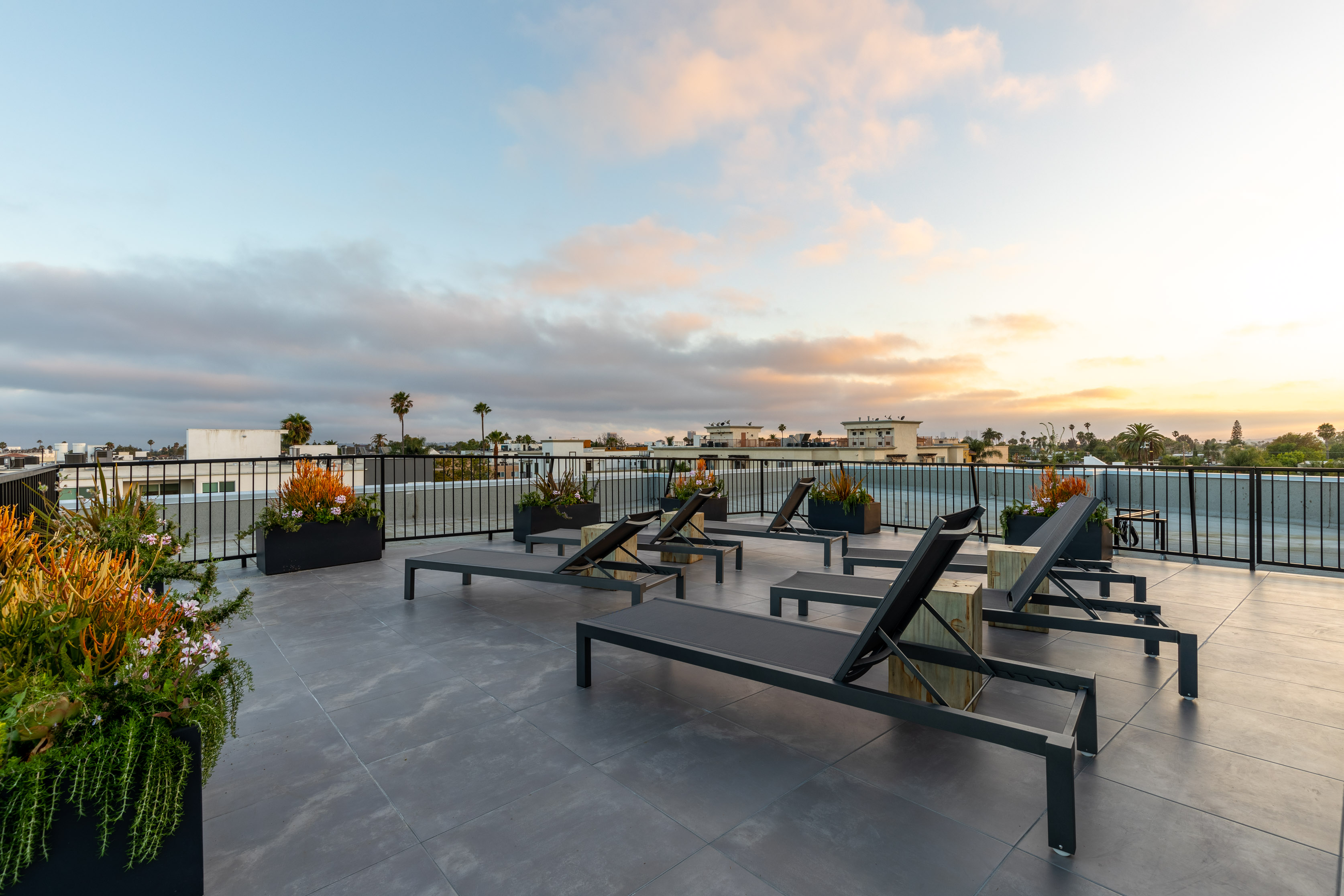 2BR/ 2BA W/ LARGE PRIVATE PATIO, ROOFTOP, GYM, & 2 PARKING SPACES IN A BRAND-NEW LUXURY BUILDING