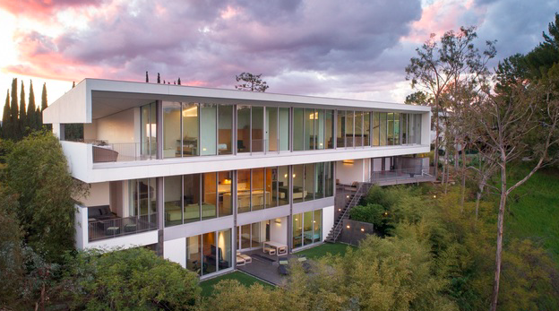 The Caverhill residence is possibly Zoltan Pali's most thought provoking achievement in modernist architecture