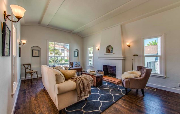 Artistic Elegance and Flawless Design tucked away on a quiet street in the Heart of Leimert Park.