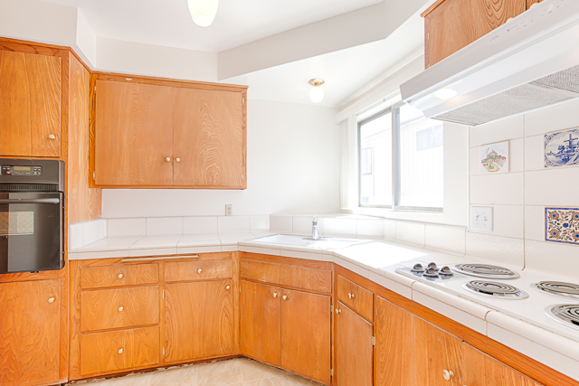 1960's Los Feliz Condo | Large Patio | Secured Building and Laundry/Parking On-Site