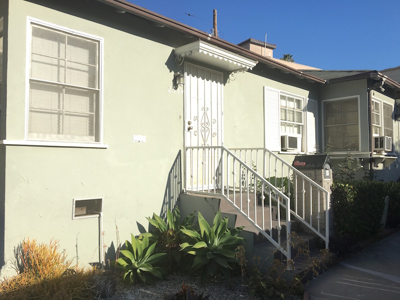 Simple & Sweet Silver Lake Triplex | Remodeled Kitchen & Bath | Parking plus Garage Storage | On-site Laundry