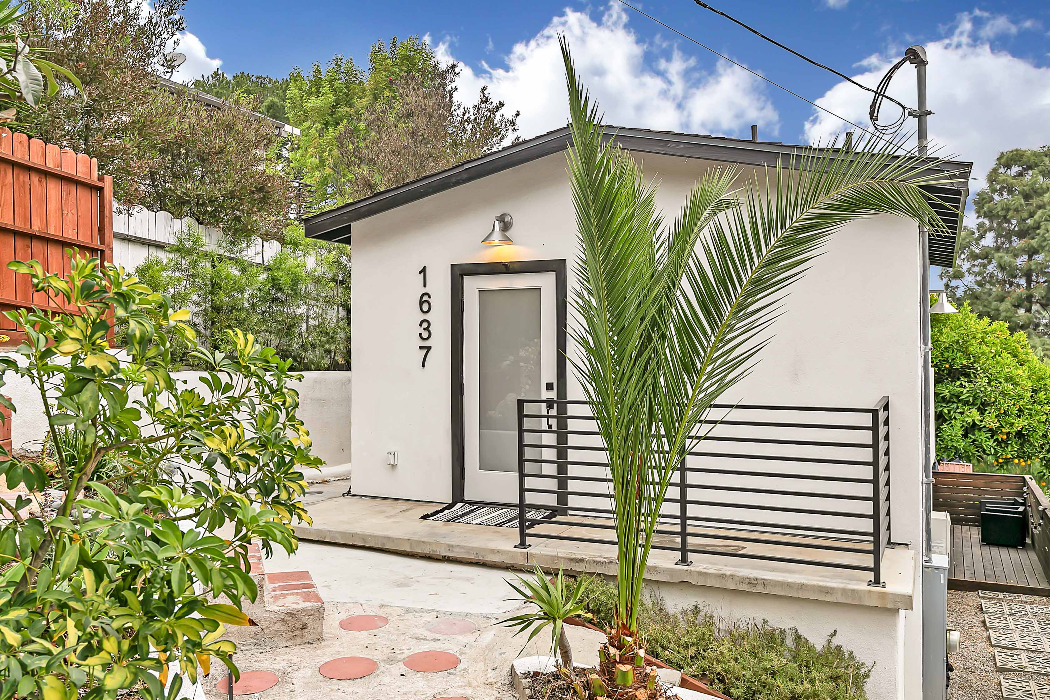 Charming Echo Park Gem! | Stunning Patio w/ Views! | Single Family Home | Prime Location  | 6 Month Lease
