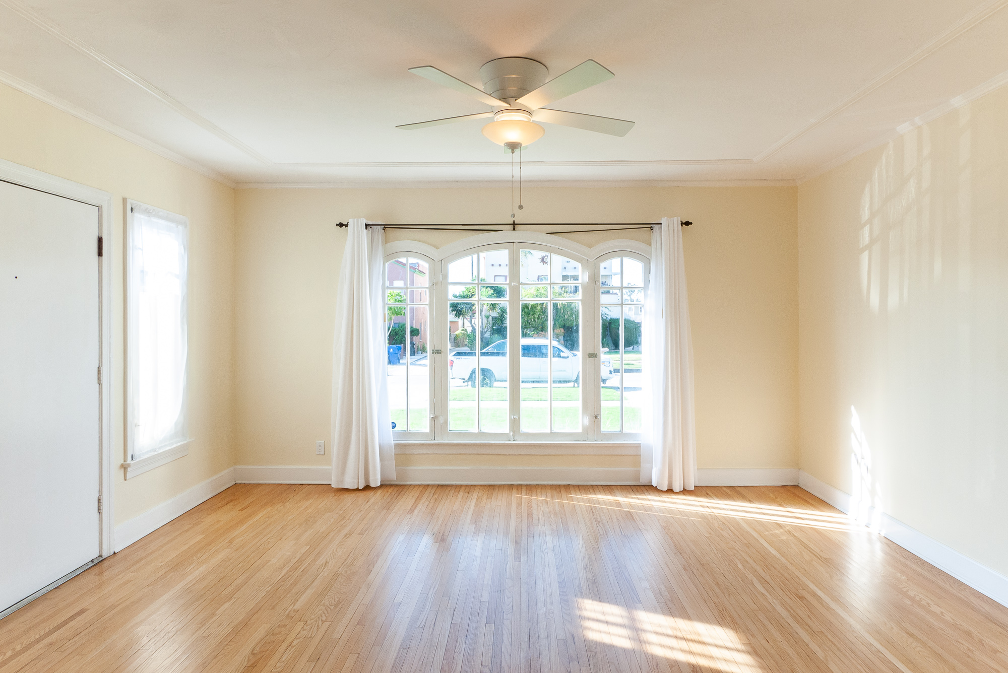 Private, Quiet, Sunny & Big! 2BD/1.5BA 2 Story Townhouse | Parking for 2 | Washer & Dryer In Unit