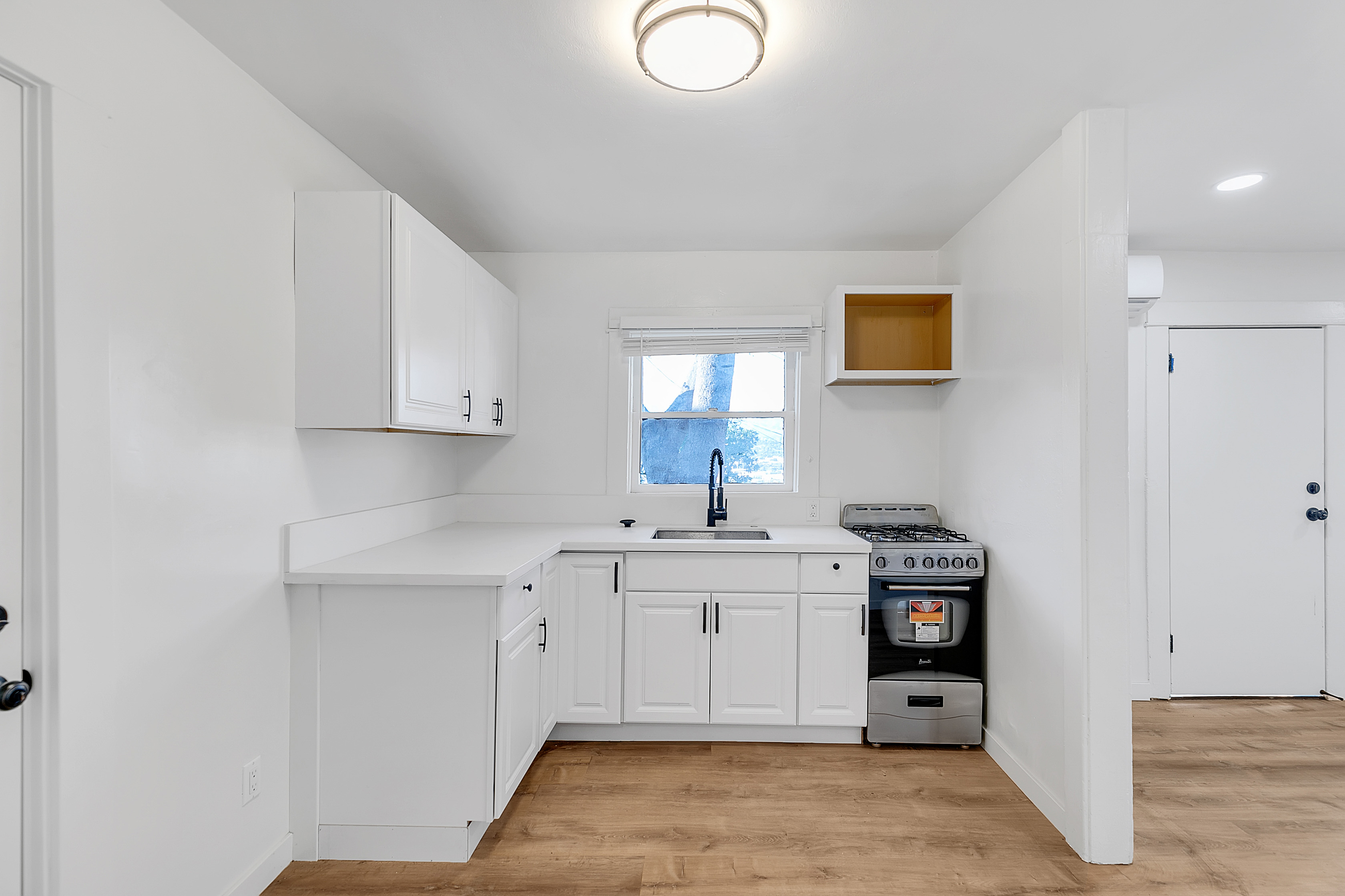 Updated 1 Bed/ 1 Bath| AC Included! | Private Front Patio | Hillside Echo Park Location!