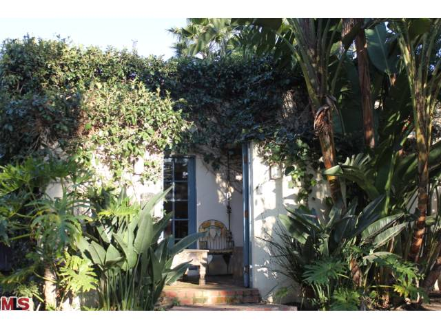 Charming West Hollywood 1920's Bungalow
