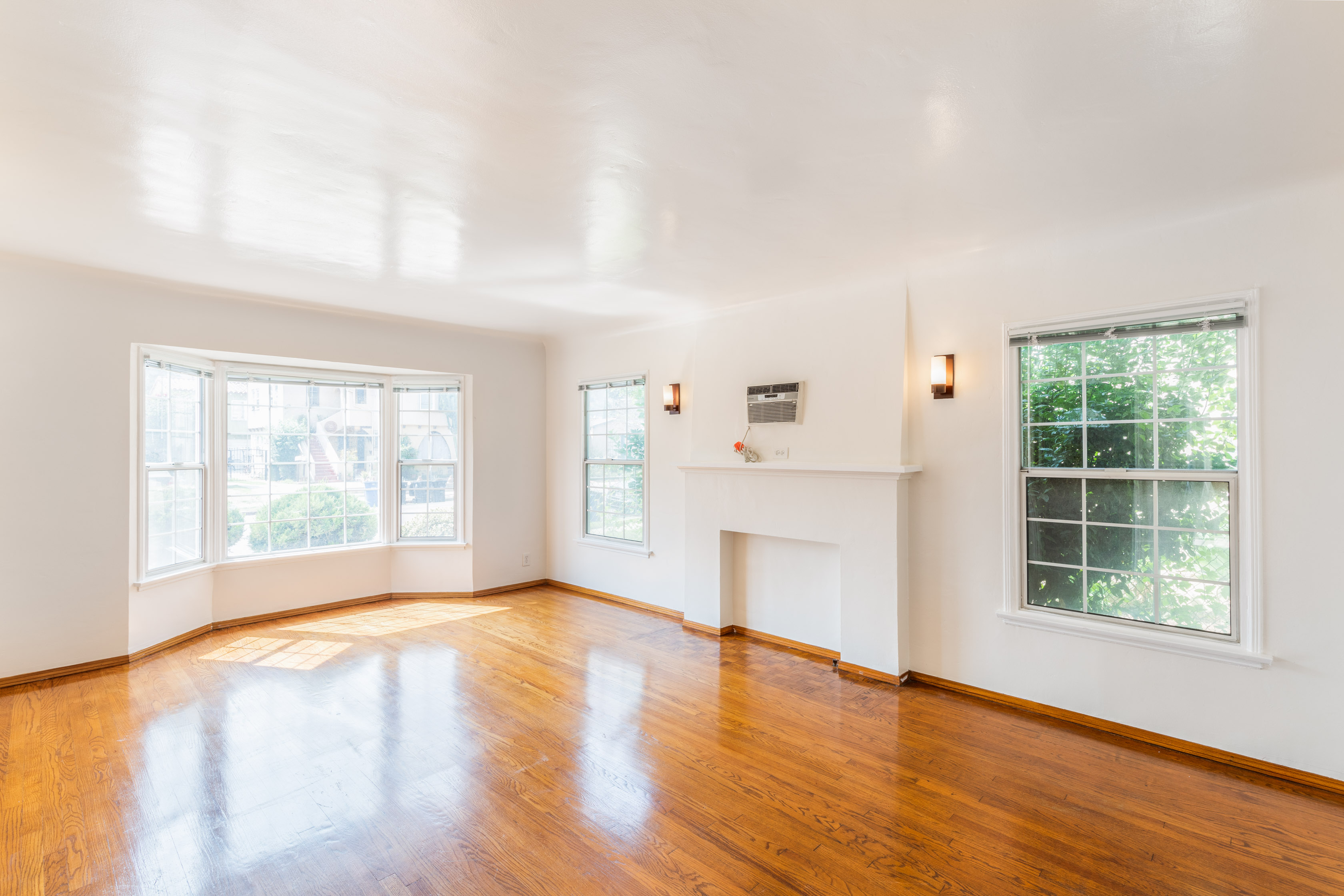 Spacious 1930's Duplex | Parking Included | Large Shared Backyard | Quaint Atwater Village Location