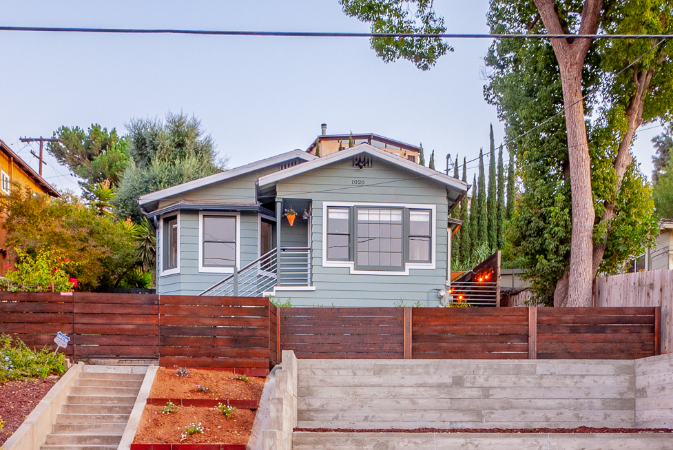 Private Hillside Bungalow in Prime Highland Park! Backyard with sunset deck! Windows galore! Washer/dryer and parking!