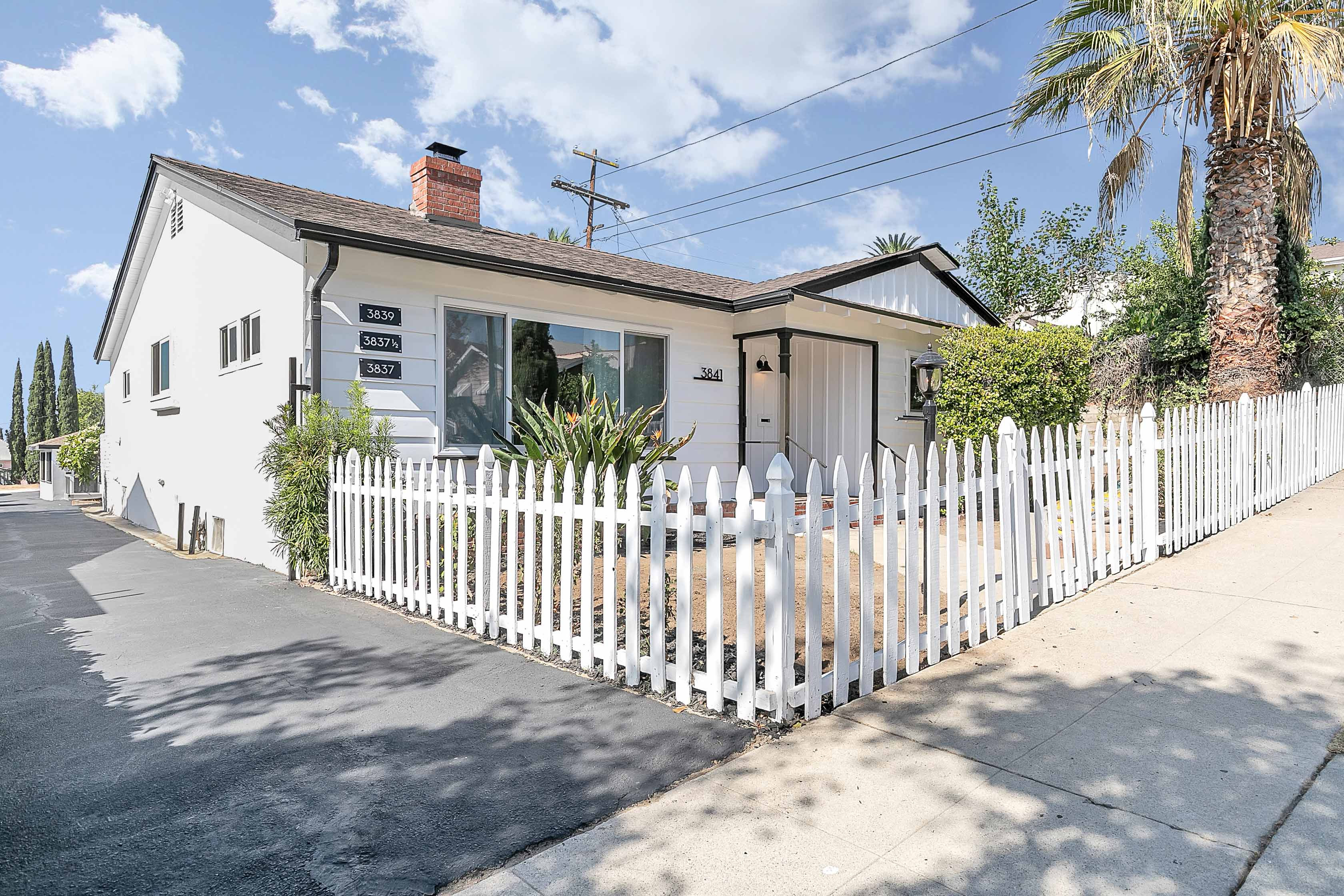 Darling Dream Front House! | Central NELA Location | Private Front Yard + Communal Back Patio! | Parking Incl.