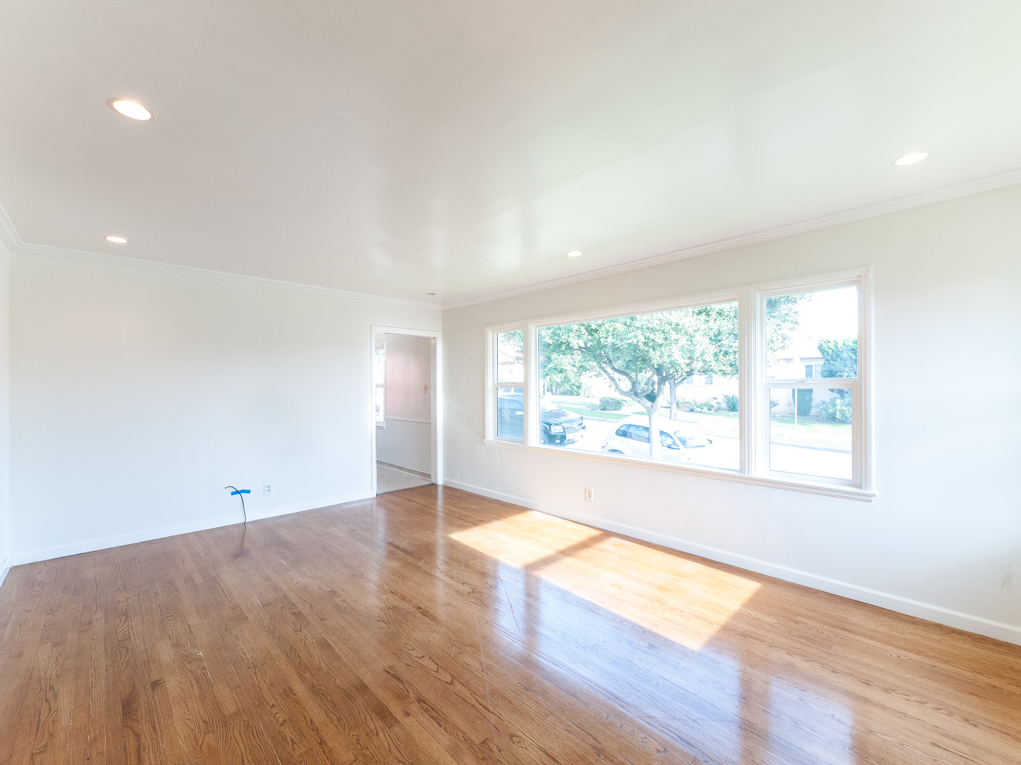 Welcome Home! Renovated  Mid-Century, Spacious 2 Bed/2 Bath- Laundry Hookups - 2 Car Garage
