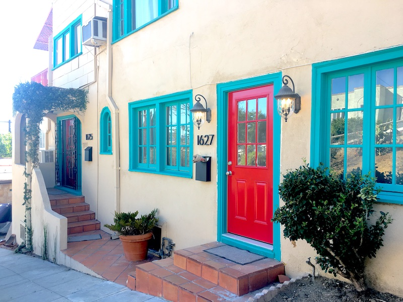 Spanish Style Echo Park Duplex | Tons of Natural Light | Bonus Room | Washer & Dryer in Unit